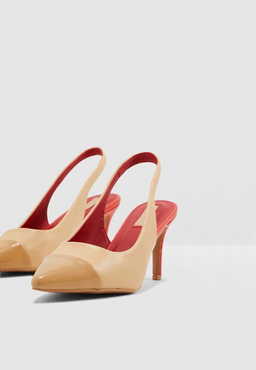 898852b1ce3d0 احذية وجزم كلاسيكية نسائية 2019 - نمشي الامارات