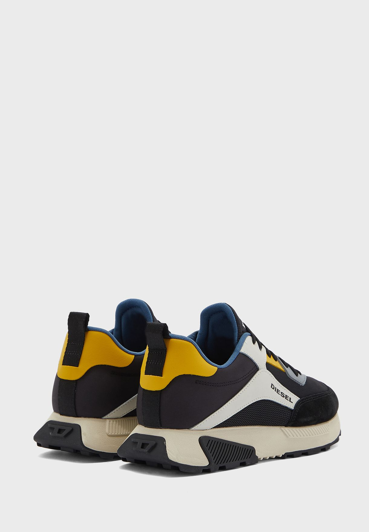 Tyche Low Top Sneakers