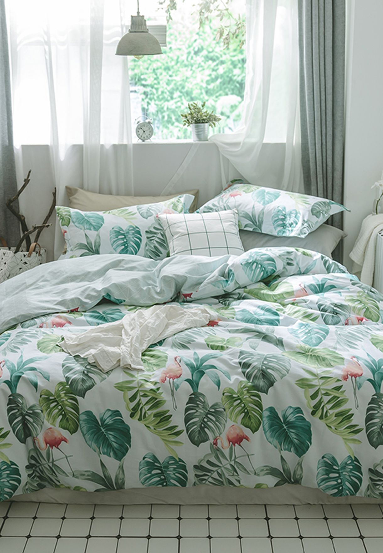 Tropical Print Bedding Set - King 200 x 230cm
