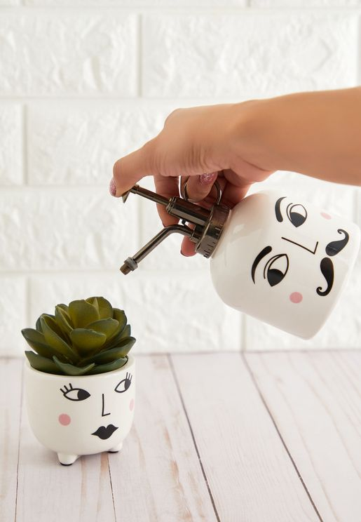 Set of 2 Mr & Mrs Planter and Watering Can