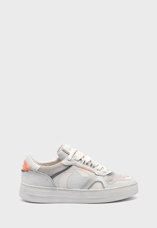 Off Court Low Top Sneaker