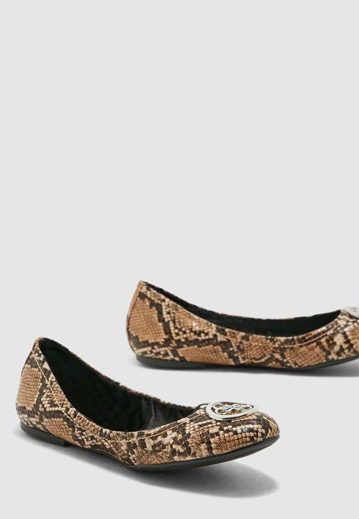 guess women's flat shoes