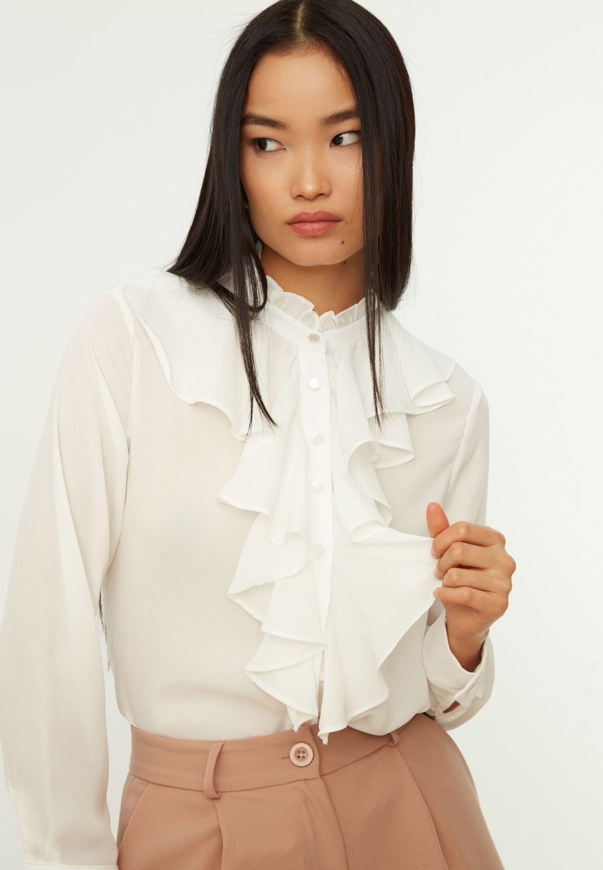 قميص مكشكش بياقة عالية