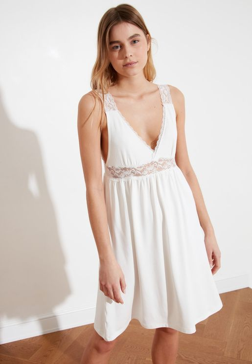 Lace Trim Pleated Nightdress
