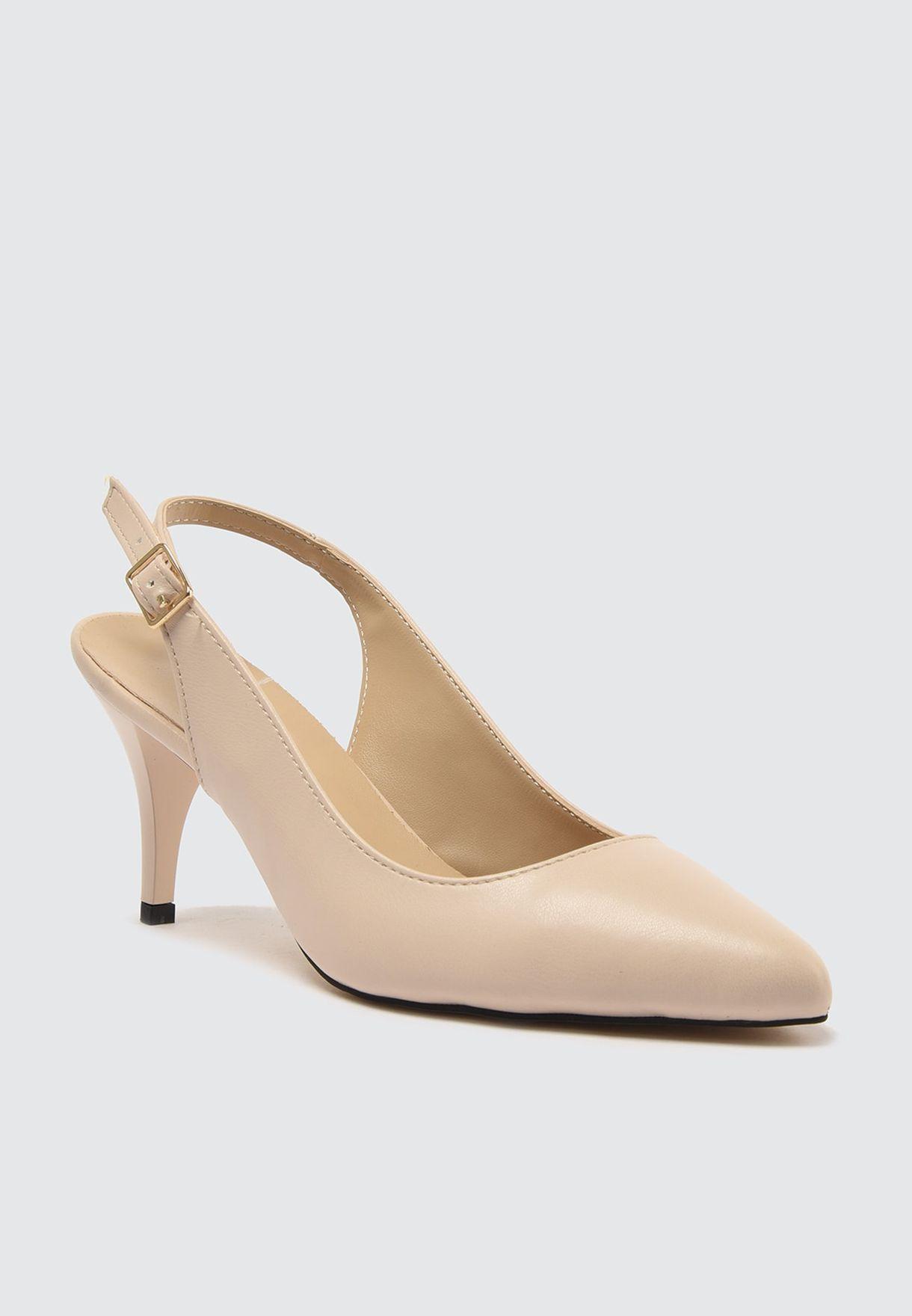 حذاء كلاسيكي بكعب عالي