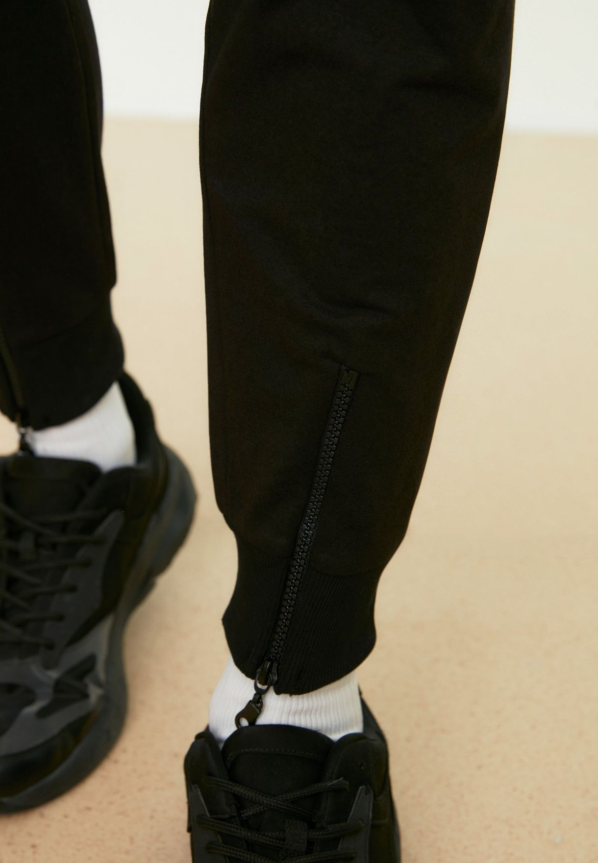 Cuffed Zip Detail Sweatpants
