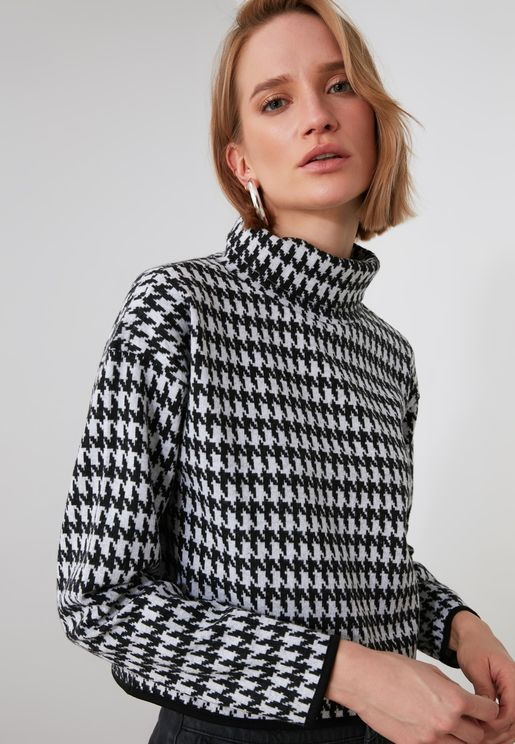 Houndstooth Patterned Top