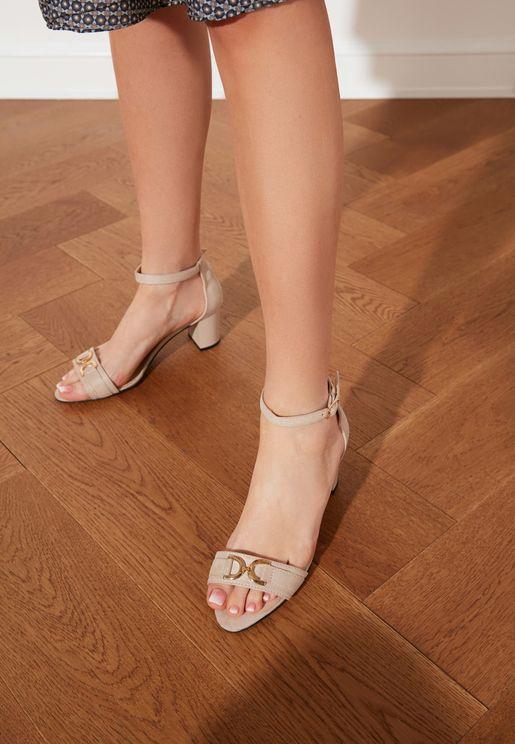 Single Band  Classic Heeled Shoes