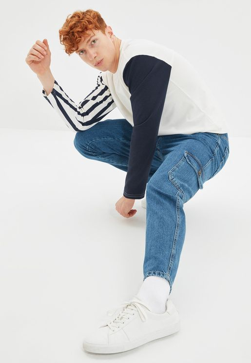Relaxed Fit Cargo Jeans