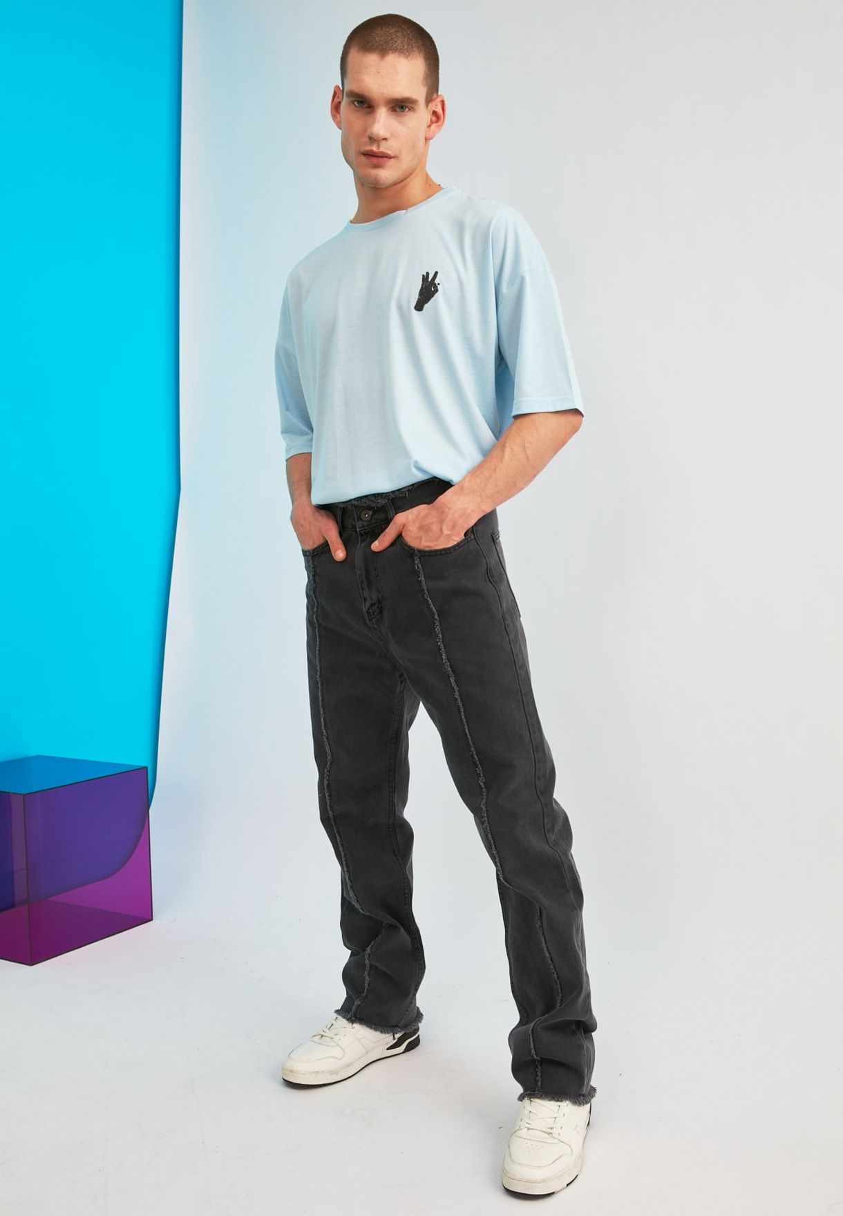 Rinse Straight Fit Jeans