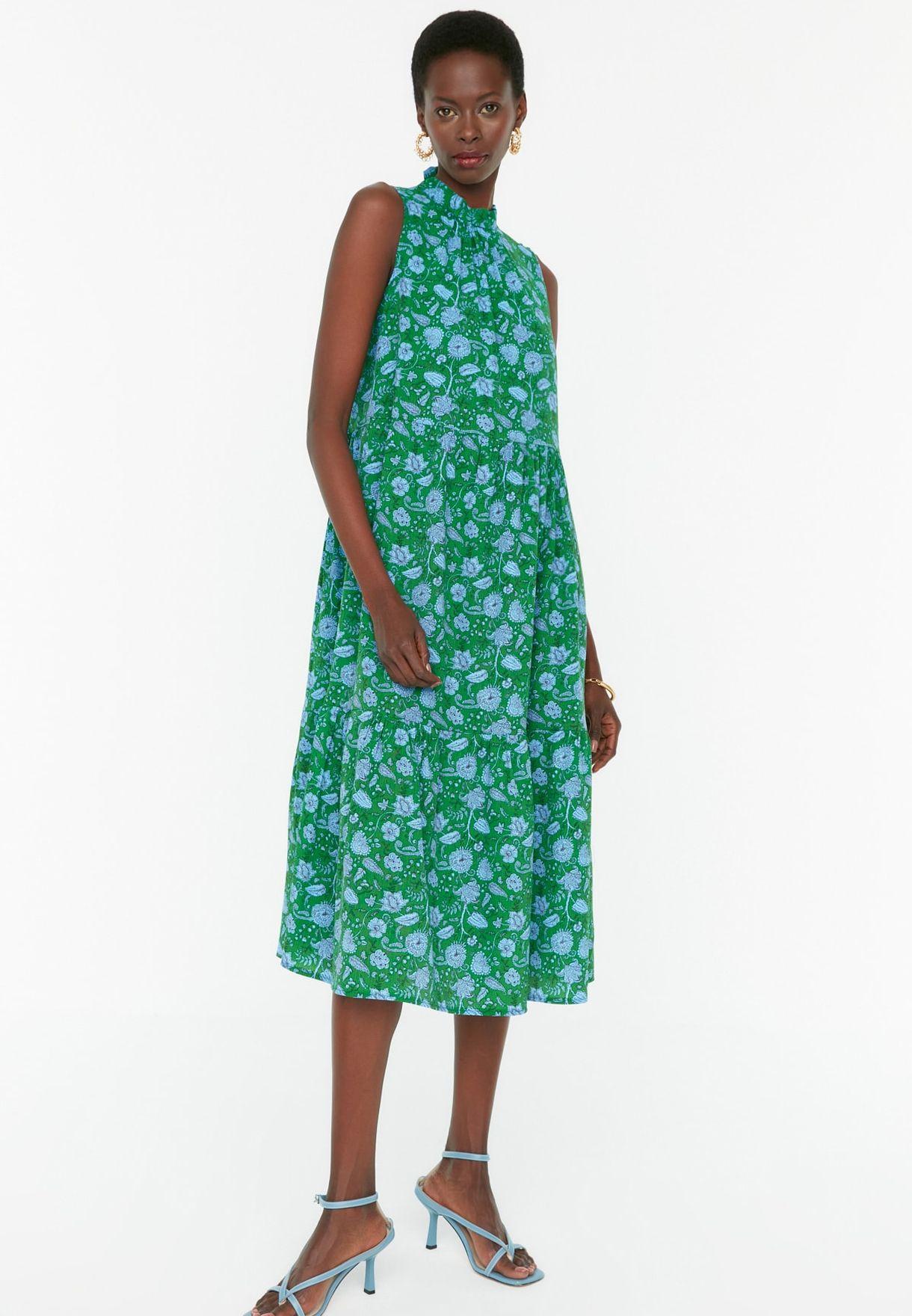 Halter Neck Pleated Dress