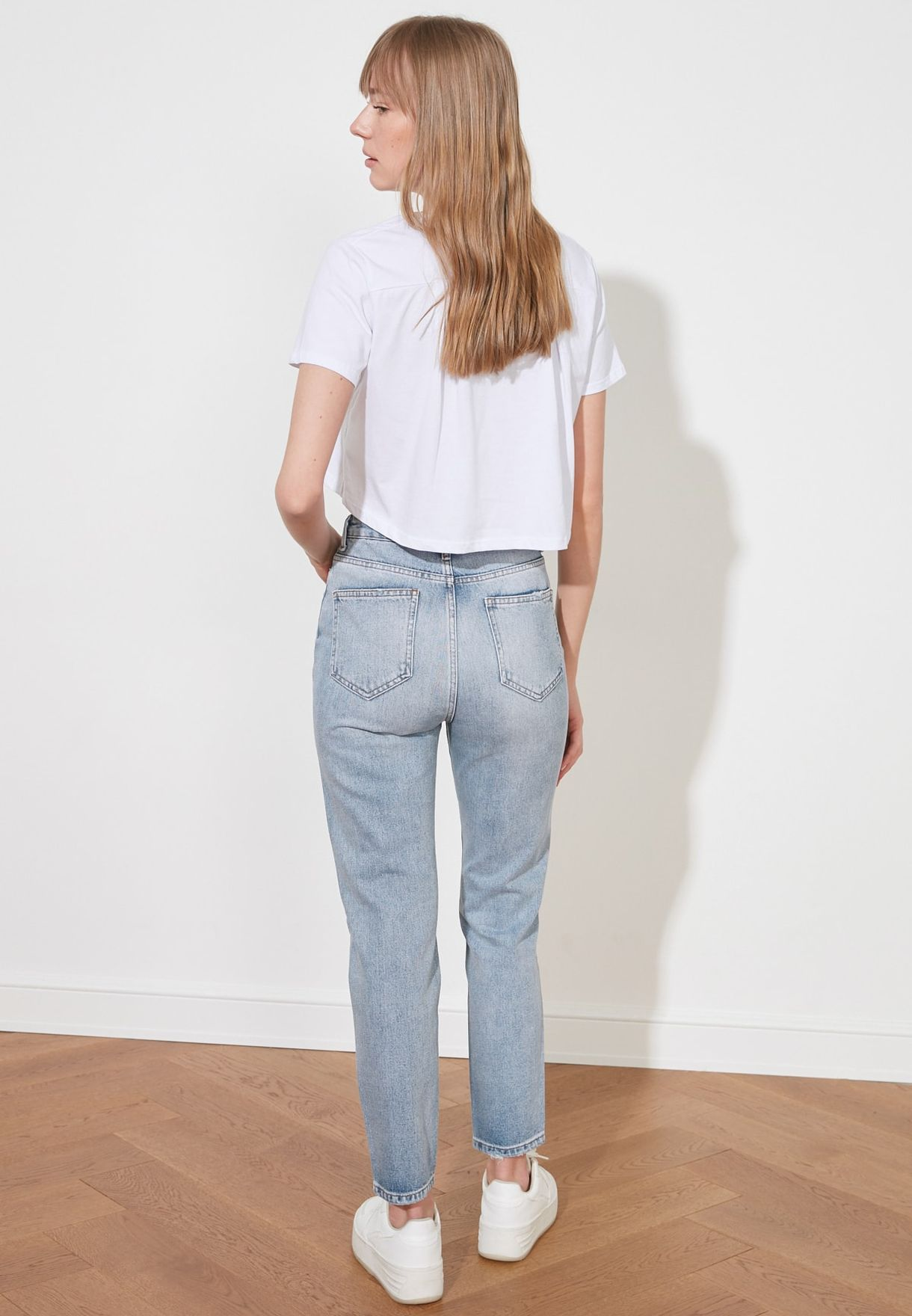 Ripped Detailed High Waist Mom Jeans