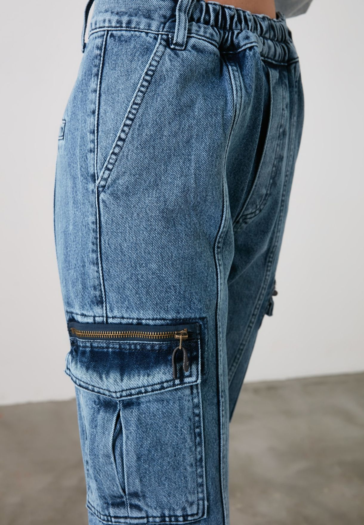 Pocket Detail Mom Jeans