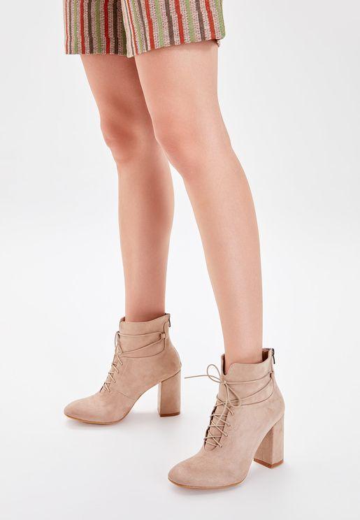 Zip Detail Mid Heel Ankle Boot