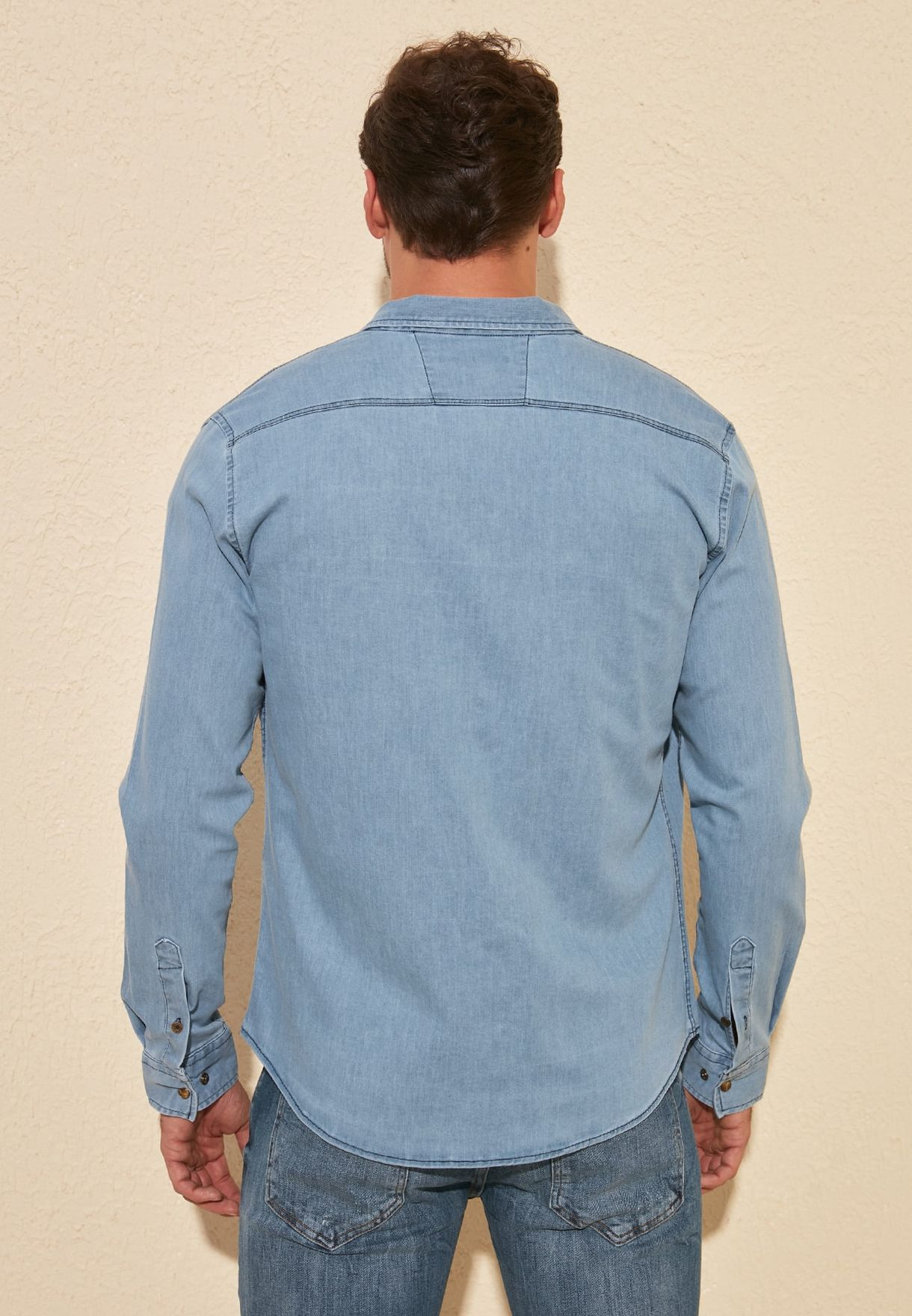 قميص جينز بجيوب
