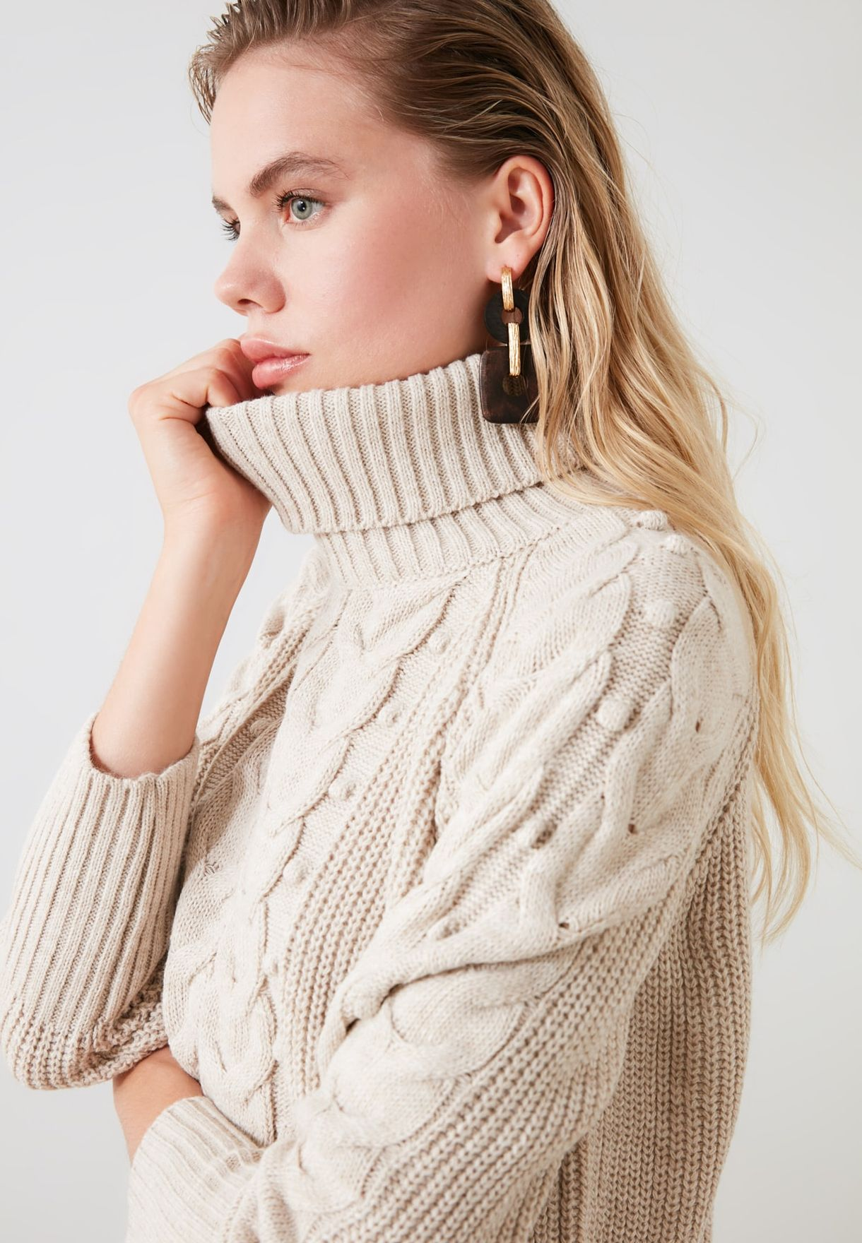 Turtle Neck Cable Knit Sweater
